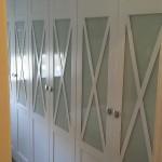 armario batiente lacado en blanco con aspas y cristal lacobel