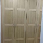 armario puertas batientes plafonadas en roble